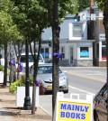 Purple ribbons on Lake Avenue in Hilton. W. Horylev photo