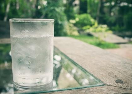 39454804 - drink water