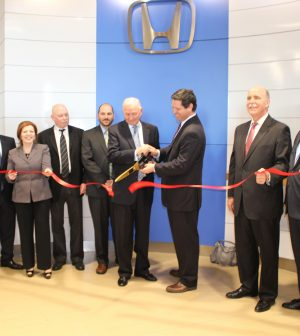 ralph-honda-ribbon-cutting