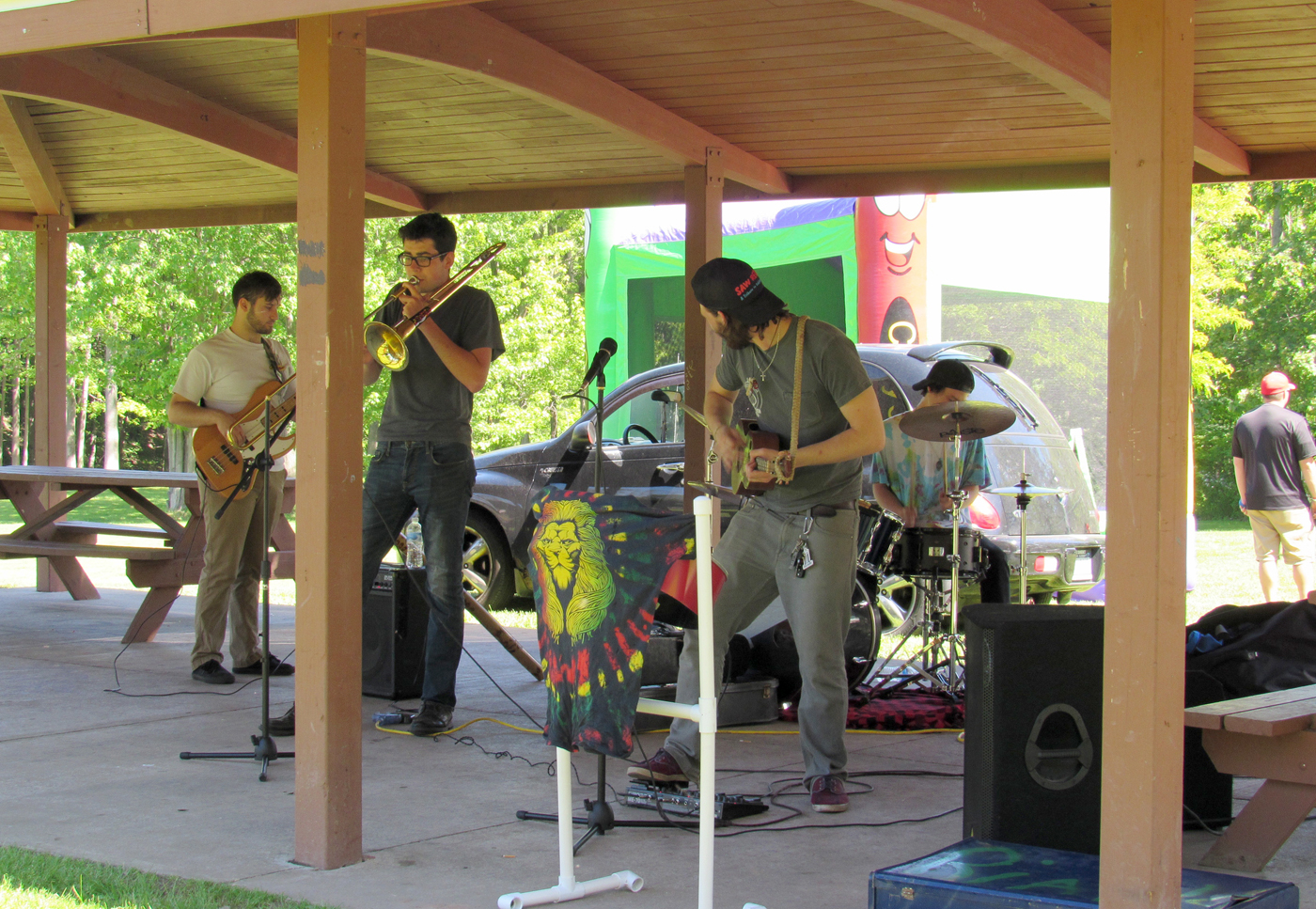 Holley June Fest also included music throughout the day at the shelter in the canal park. Bobby Skrzypek and the Pedestrians performed in the mid-afternoon. K. Gabalski photo