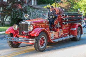 parade-hamlin-fire-car