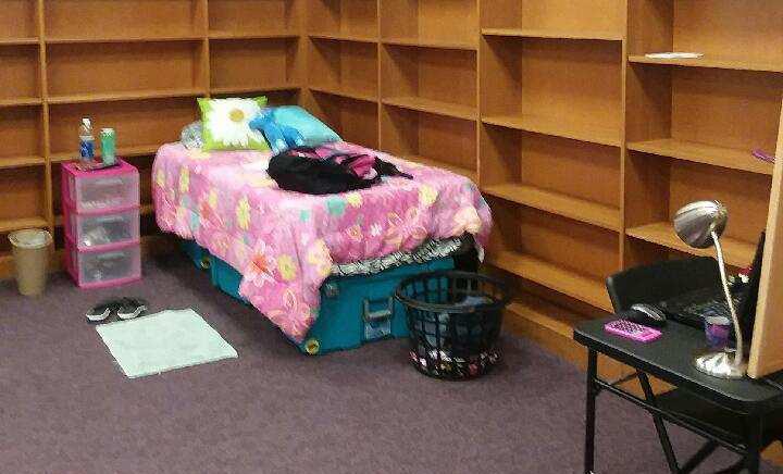 Hidden Mischief bedroom. Photo by Pat McGee