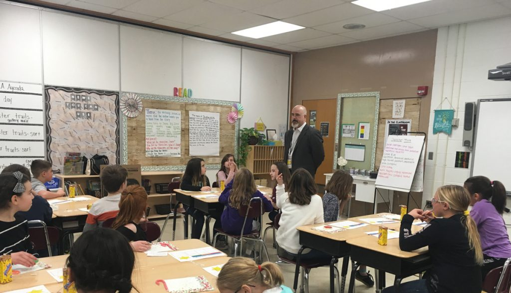 Superintendent Edwards presents to a class of fourth grade students. Photo by Diane Taylor