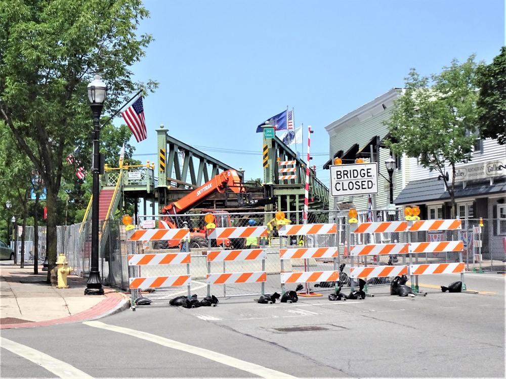 The Route 259 bridge in Spencerport closed to traffic on July 9. Photo by Ray Kuntz Jr.