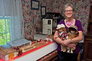 Dollhouse Programs Bring History To Life Westside News